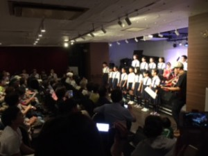 カテリーナと高坂小5、6年生合唱