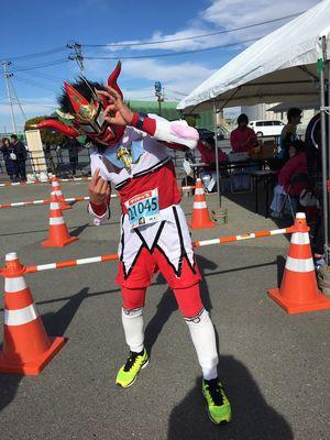 10:02 10キロを走り終えた獣神サンダー・ライガー!