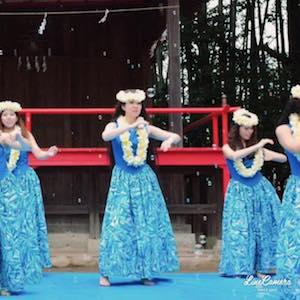1ステージ目のラスト、シャボン玉が舞う中で踊りました♪