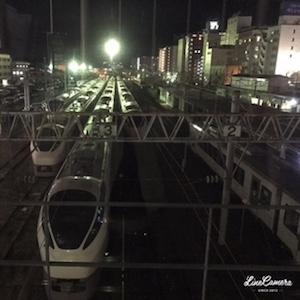 真夜中のいわき駅はまるで電車の巣。特急やら普通列車やらがいっぱい寝てました^^