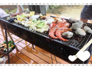 写真は海鮮ですが、 おいしいお肉も、野菜も、お家の中ではお刺身や手作りケーキも(笑) 家でやるBBQは好きなものを好きなだけ用意できていいですね♪