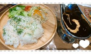 念願叶って地元の名店ヤスヒロのカレーを食べる事ができました~❢ から~いから~いから~いとっても、んま~い、から~いカレーライス!!汗かきかき頂きました(*▽*) おいしかった!ごちそうさまでした!!