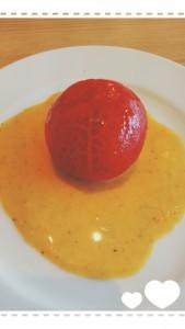 小名浜イオンモールのマンママリィでパスタセットを頂きました。こちらはセットのサラダ!? 丁寧に皮が剥かれており、見た目のインパクトがいいですね~ヽ(*´∀`)ノ 周りのお客さんもサラダ(トマト?!笑)が届く度に驚いた顔をしていました。 トマトも甘くて美味しかったな~♪(もちろんパスタも!)