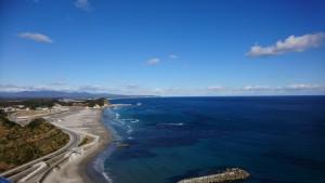 鎮魂の鐘を鳴らし、塩屋崎灯台にも登りました。いわきの海の青さに私が感動していました(笑)こんなに透き通って綺麗な海、たくさんの人に見てほしいな。