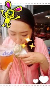 ☆おまけ☆ 先週牡蠣の話をしたら、やっぱり牡蠣が食べたくなり、ら・ら・ミュウへ行っちゃいました♡ ビールを持ち、無理やり写真に入れているのは、うちの母です。 『アナタ、忘れ物よ!』と・・・( ̄▽ ̄;) 今日はビールの話題ではありませんYO(笑)