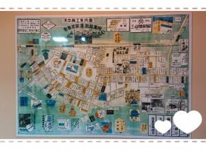 隣にはこんな地図もありました。 浴室にはさらに、ここ数年の湯本の観光MAPのようなものが大きく貼ってあり、そこにはお店の人の似顔絵付きで町のお店を紹介していたり、楽しそうな雰囲気に、思わず湯本観光したくなりました。