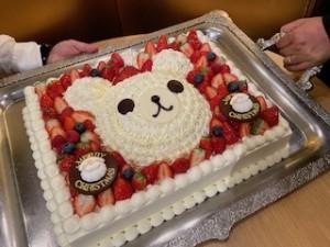 今年も登場したBigなクリスマスケーキ!子供達はよろこんでくれたかな?!