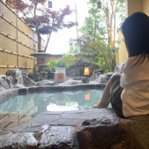 貸切露天風呂がこの広さ!贅沢です。入りたくてうずうず。