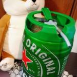 お盆の夜はこちらのビールに盛り上げてもらいました✨ 電気もガスボンベも冷やす氷も必要なし! これ自体を冷蔵庫で冷やしておけば生ビールが楽しめるというもの🍻 酒のいしかわさんで購入しました✨