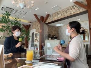 お話頂いたのはプランナーの内海愛美さん。 マスクをしていますが、アクリル板があると、なお安心できますね。