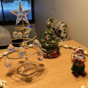 我が家のクリスマスツリーはミニミニサイズ!なのでこれよりも小さいプレゼントとなると・・・?!