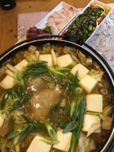 鶏鍋と刺身と韓国風きゅうり