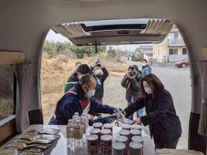 この日は車両にたくさんの支援物資を乗せ、配布するという実験も合わせて行われたということです。