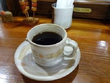 味わい深いカップで 味わい深いコーヒーを