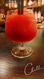 これはイチゴのフローズンカクテル🍓 これも果物のイチゴを使ったカクテルなのでイチゴそのものも香りや贅沢な美味しさ✨