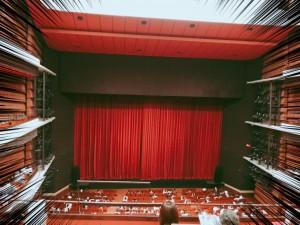 この劇場の雰囲気が大好きなんです。 「ただいま!」というとおこがましいですが、若かりし頃はずっとこの雰囲気の中で生きてきたので、なんとも言えない気持ちになります。これが「エモい」なのか?(笑) 丸2年、舞台に立てていません(;.;)